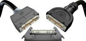 Metall und Kunststoff Steckverbinder sind kompatibel