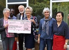 5.000 Euro für Schüler Kochprojekt
